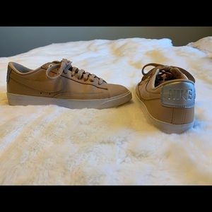 Tan & silver Nike trainers. Size 7.5, Hardly worn